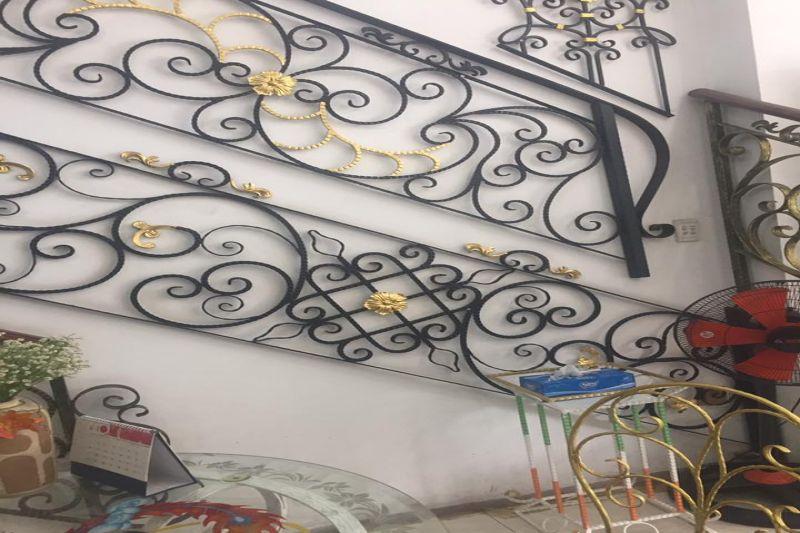 Thi công cửa cổng, lan can, cầu thang, kệ hoa, mái che, hộp đèn, giường sắt, bàn ghế sắt mỹ thuật các loại tại TPHCM, Bình Dương, Đồng Nai, Long An, Tiền Giang, Cần Thơ, Phú Quốc, Rạch Giá, Kiên Giang